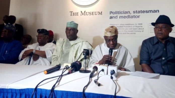 Chief Olusegun Obasanjo addressing a world press conference on his endorsement of PDP Presidential Candidate Alhaji Atiku Abubakar
