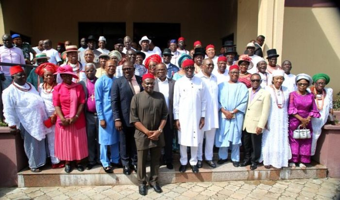 Gov. Okowa with members of the advisory council